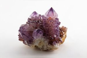 640px-Amethyst._Magaliesburg,_South_Africa