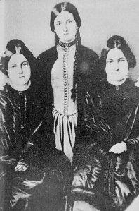 Margaret ve Katherine Fox kardeşler