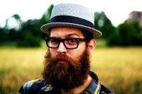 sakallı genç